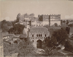General view from the west of the Jahangir Mandir and Raj Mandir Palaces, Orchha
